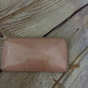 Louis Vuitton vernis zippy wallet